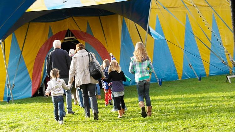 bezoekers-circus-renz