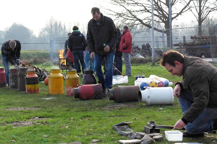 Carbidschieten in Ommen 31-12-2014