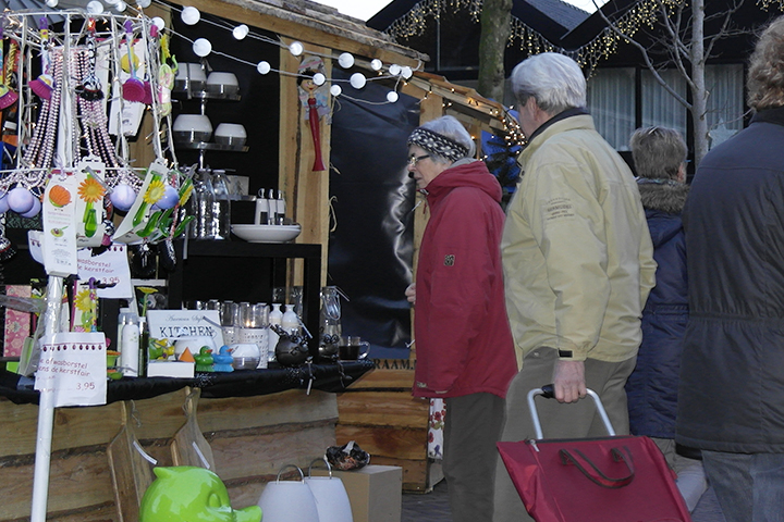 Supersfeer waait door kerstmarkt Ommen