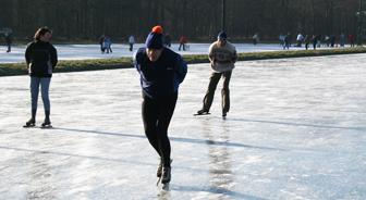 schaatsen-in-ommen--1-no