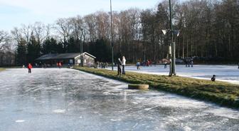 schaatsen-in-ommen-no
