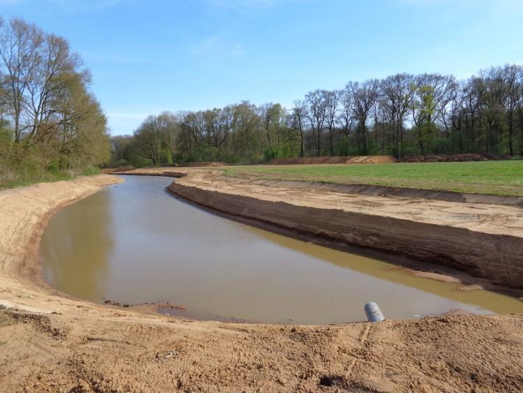 Nieuwe inrichting voor zuidelijke Vechtoever geeft water meer ruimte