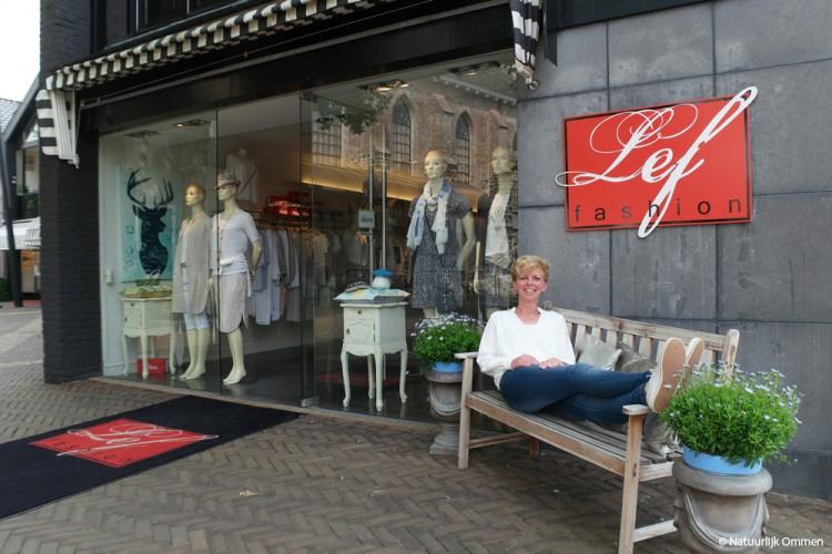 Rita Vos van Lef Fashion in Ommen zit prima op haar nieuwe stekkie