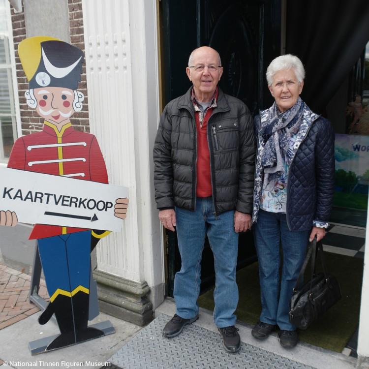 Bezoekers uit Spijkenisse over het Tinnen Figuren Museum 'wat een prachtig museum'