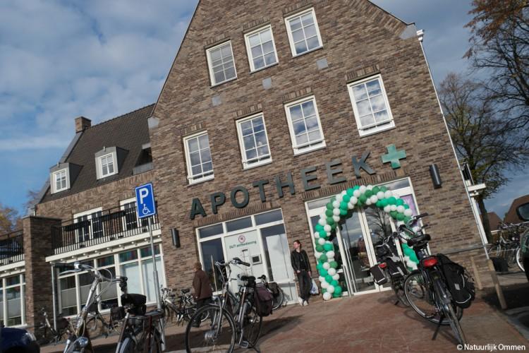 Filmpje van de Open Dag Ommer Apotheek aan de Markt in Ommen