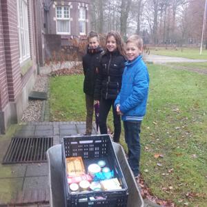 St. Willibrordusschool uit Vilsteren steunt voedselbank-actie van RTV-Oost
