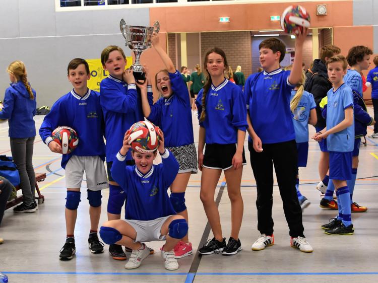 St. Bernardus 5 winnaar Volco Ommen Schoolvolleybaltoernooi