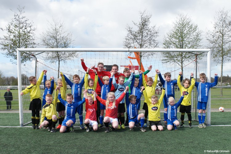 Clubnaam Jeugd Combinatie Ommen onthuld op Sportpark Westbroek