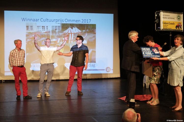 Folkloristische Optocht Koningsdag wint Cultuurprijs Ommen 2017