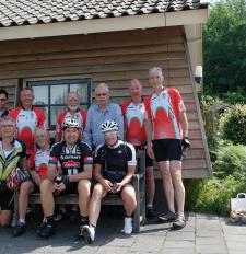 Sportieve gemeenteambtenaren uit Meppel en Westerveld komen op adem in Ommen