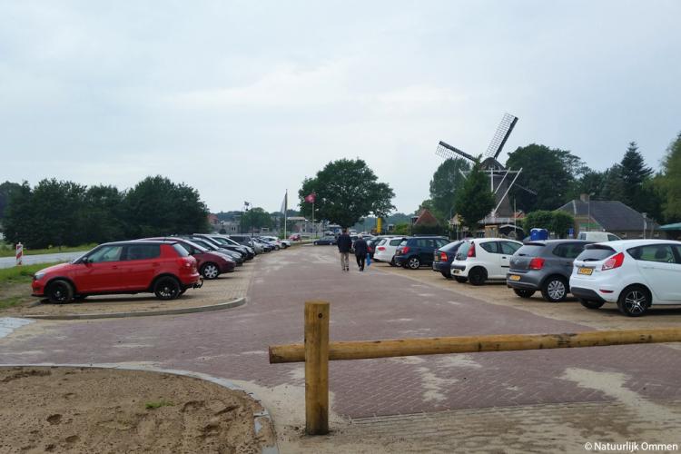 Automobilisten blij met nieuwe parkeervoorziening oostkant centrum Ommen