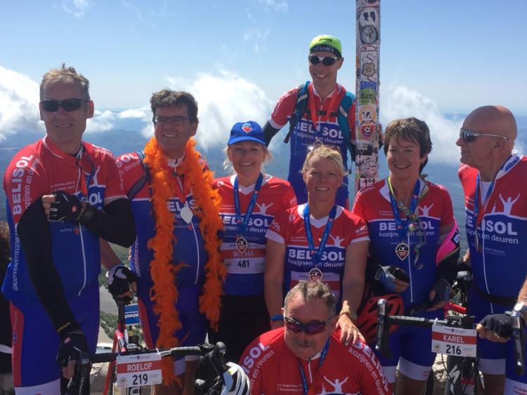 Team Vechtdal bereikt de top van de Mont Ventoux