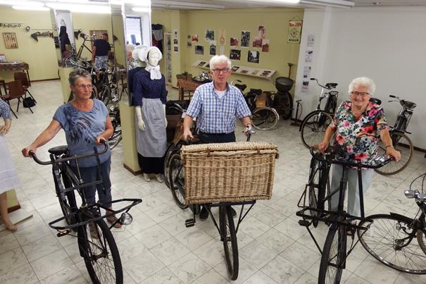 Historische fietsen terug in Fietsmuseum Ommen