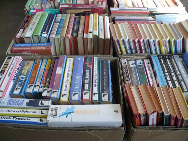 Verkoop van afgeschreven boeken in Bibliotheek Ommen