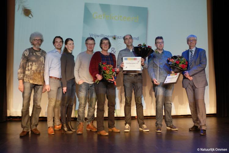 Gert Veurink en de vrijwilligers van de Bazieoband winnen de Vrijwilligerspluim 2017