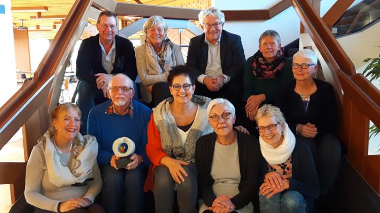 CDA uit waardering voor vrijwilligers Palliatieve Terminale Ondersteuning met trofee