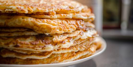 Leerlingen De Dennenkamp zorgen weer voor pannenkoekenfeest in Nijenhaghen